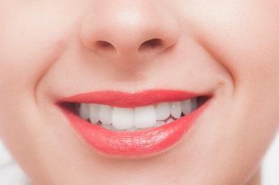 高松の歯科【サンシャイン歯科】は、歯周病の治療や口腔外科の分野にもしっかり対応