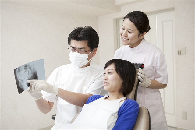 高松でインプラントや義歯を検討している方は「抜かない・痛くない治療」を心がける「サンシャイン歯科」にすぐ相談