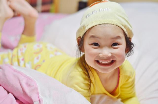満面な笑みの子供